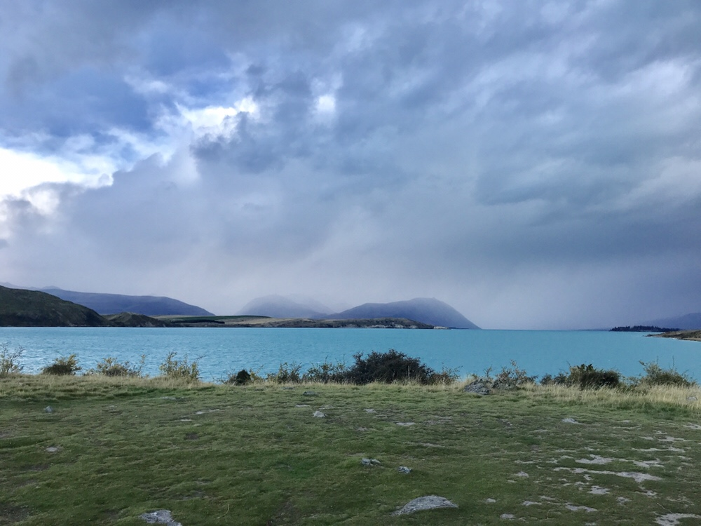 Dunkle Wolken am nächsten Morgen
